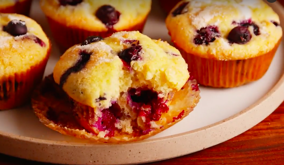 12+ Delicious (and easy!) Muffin-Tin Recipes - Cut Side Down| Muffin Tin, Muffin Tin Recipes, Easy Muffin Tin Recipes, Muffin Tin Meals, Muffin Tin Breakfast