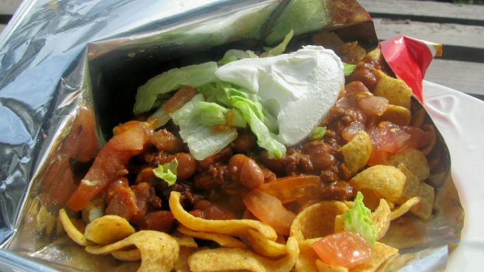 12 Tailgating Recipes Everyone Will Be A Fan Of