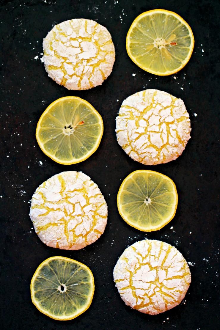 Lemon cookies with lemon slices-lemon dessert recipes