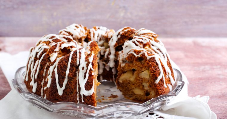 Fall Favorite: Apple Pecan Bundt Cake