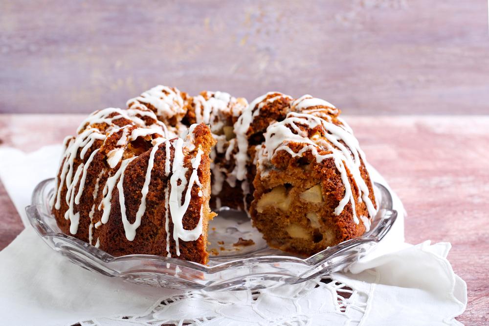 Fall Favorite: Apple Pecan Bundt Cake