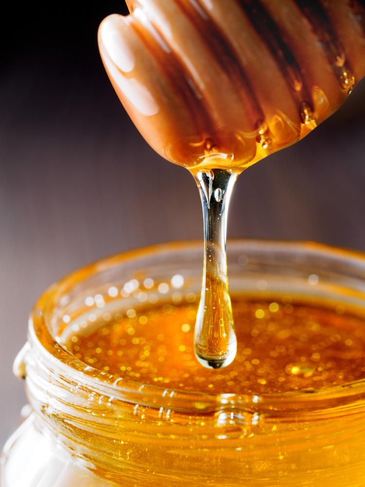 sugar | honey | baking | baking with honey | baking hacks | baking tips | tips and tricks | tips and trips for baking