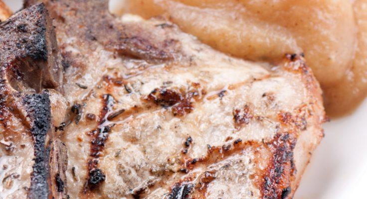 Fall's Favorite Food Combo: Pork Chops And Applesauce