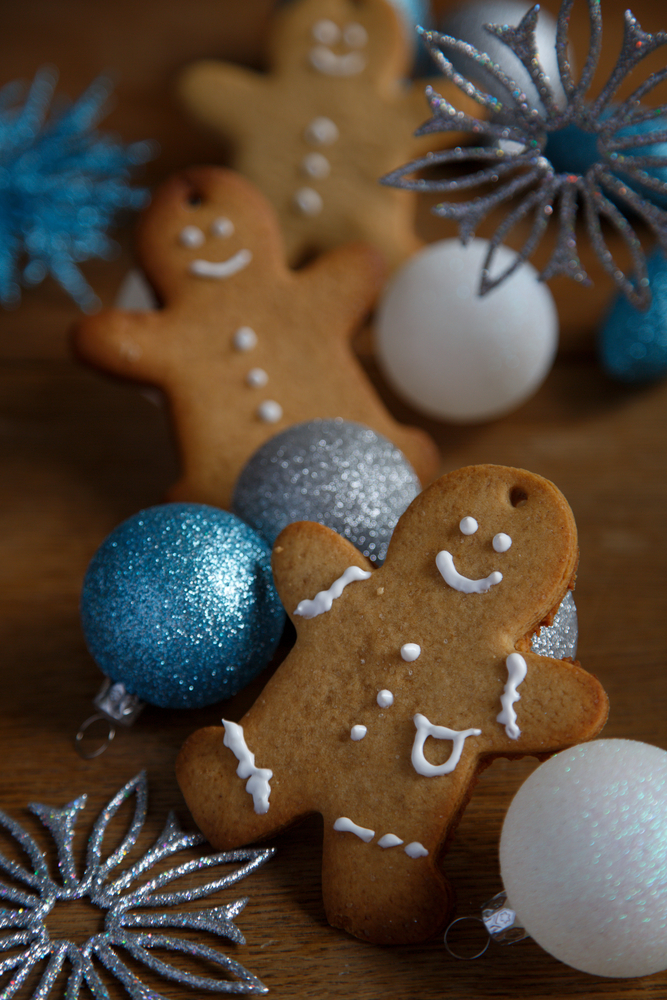 If you eat a dairy free diet, there's nothing worse than not getting dessert because of it. These dairy free Christmas cookies are delicious and cute. Just look how adorable these gingerbread cookies are!
