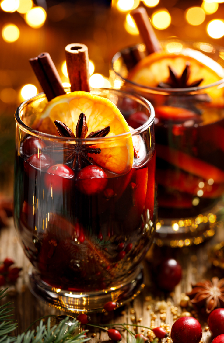 In my opinion, there is nothing better than a delicious Christmas morning punch to start the day off right. These Christmas morning punch recipes are delicious. You need to try them!
