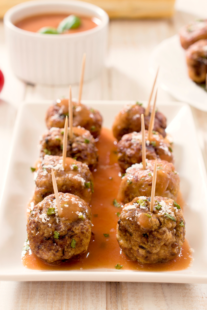 Are you throwing a New Year's Eve party? These NYE party appetizers will be a crowd pleaser! What could be better than honey garlic meatballs?