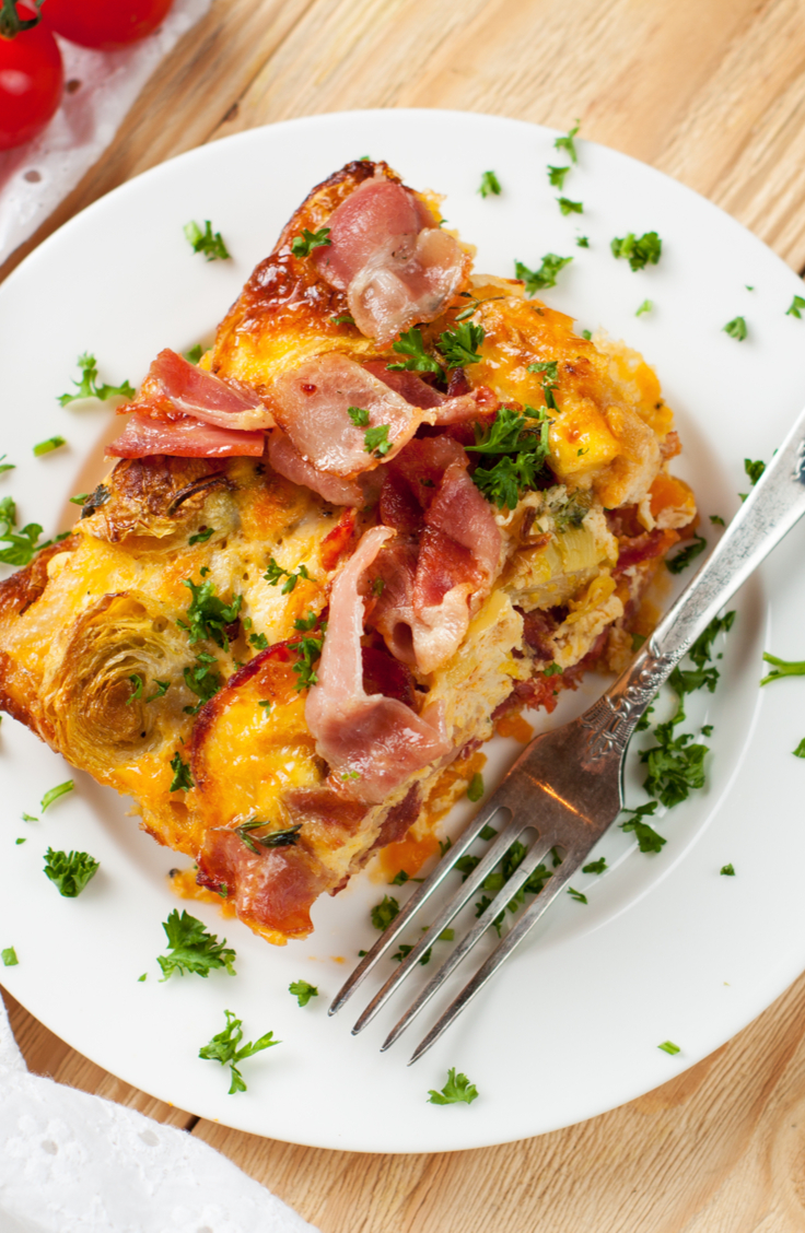 One of the best ways to use your Instant Pot is for breakfast. You do not want to miss out on these Instant Pot breakfast casserole recipes! This bacon, egg, and cheese casserole will start your day off on the right foot.