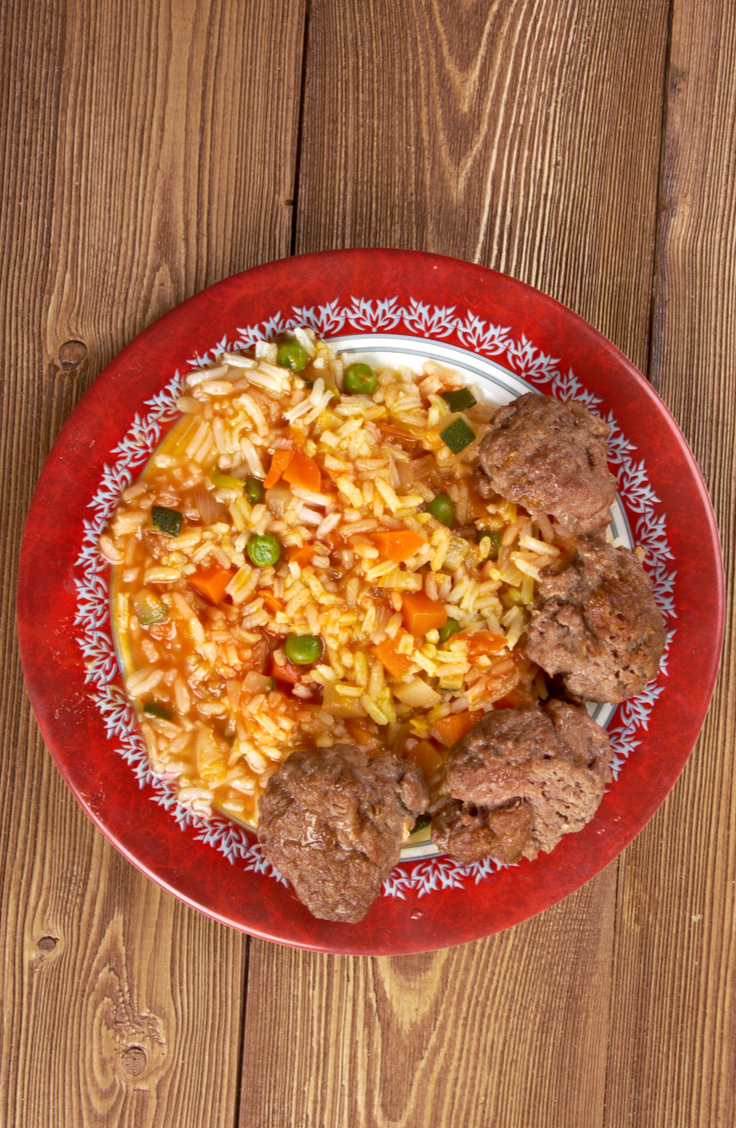 If you've never tried West African food, then you're missing out! Jollof rice is a West African staple! And what's even better, it's super versatile so you can pair it with so many different things.