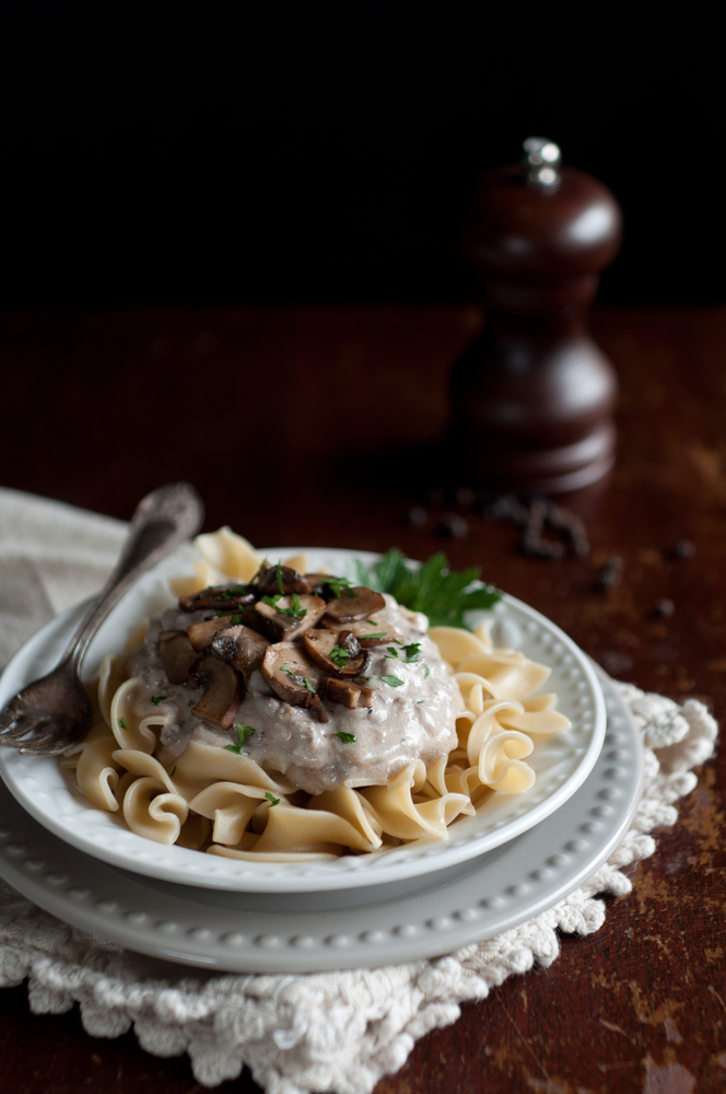 Whether you're a working mom or a stay at home mom, life can get crazy! Hopefully some of these easy dinner recipes for your family will help! You can't go wrong with beef stroganoff.