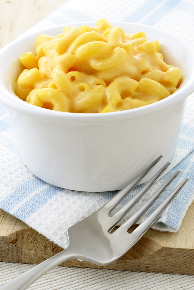 Whether you're a working mom or a stay at home mom, life can get crazy! Hopefully some of these easy dinner recipes for your family will help! This crockpot mac and cheese is so easy and so delicious.