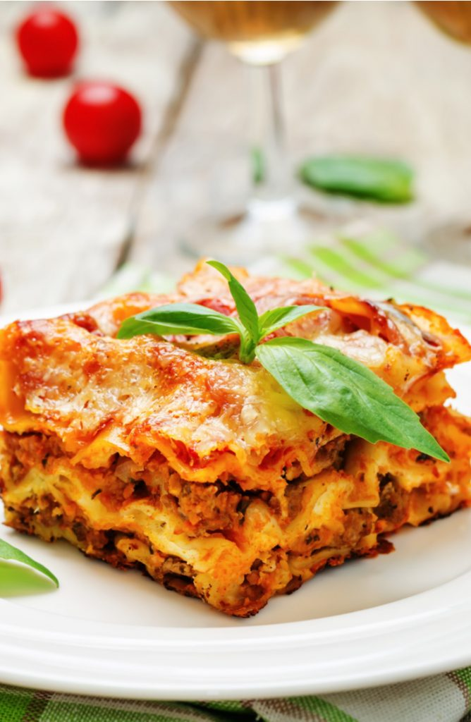 Crock Pot meals are ridiculously easy and very low key, making them perfect for working moms and dads. Check out these delicious crock pot meals! This lasagna is to die for!