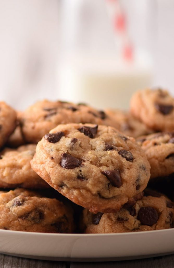 These pancake mix chocolate chip cookies are to die for! If you're looking for some great dessert ideas, here are five delicious Aunt Jemima dessert recipes!