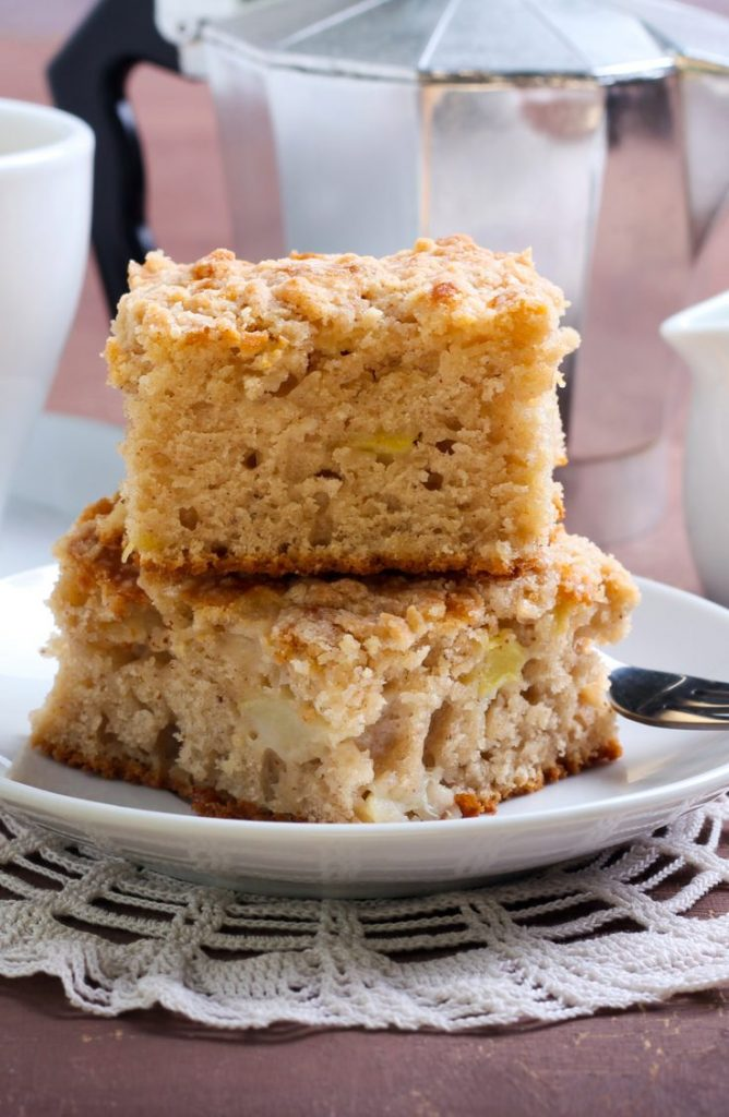 This apple coffee cake is to die for! If you're looking for some great dessert ideas, here are five delicious Aunt Jemima dessert recipes!
