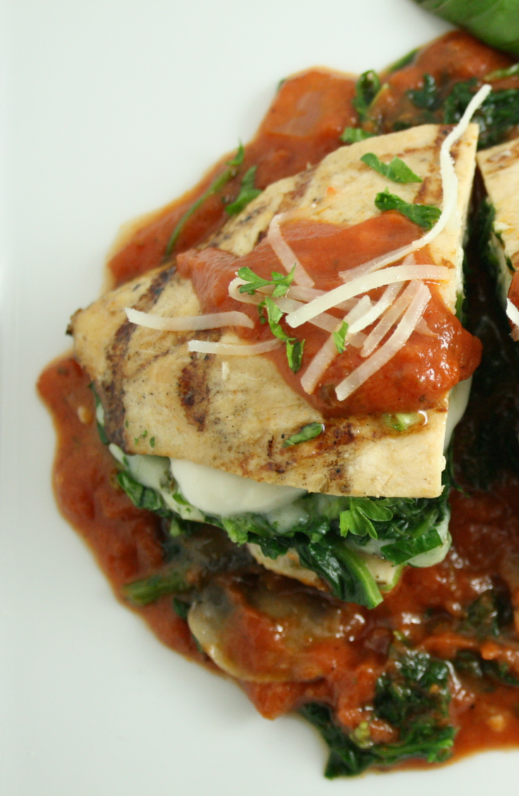 The great thing about skinless, boneless chicken breast is that it's versatile and easy. Check out these delicious chicken breast recipes! Your family will love this chicken breast with spinach and mozzarella!