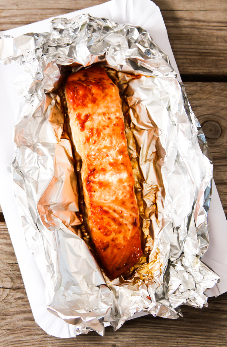 From brown sugar to teriyaki to asparagus and lemon, we've gathered some of our favorite salmon recipes baked in foil! Check them out!