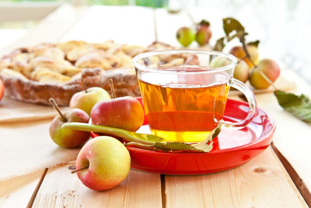 Fall Apple Tea